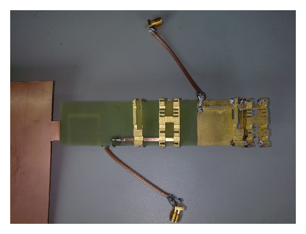(b) Top view of the MIMO antenna