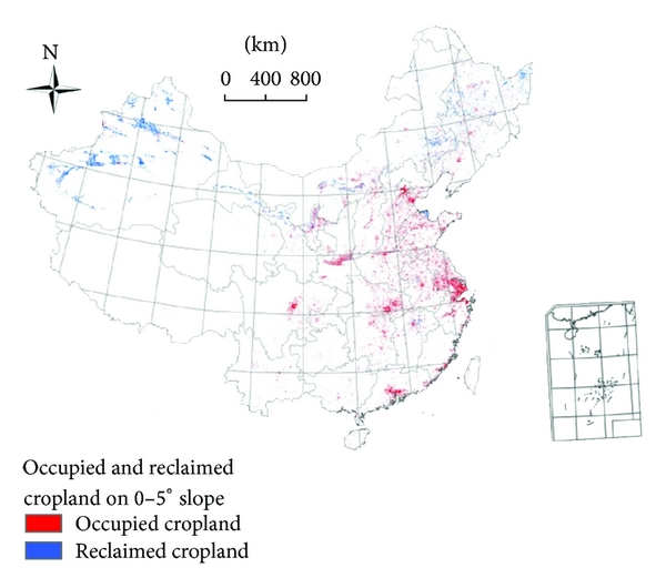 (a)  Distribution of occupied and reclaimed cropland on 0–5° slope from 2000 to 2010