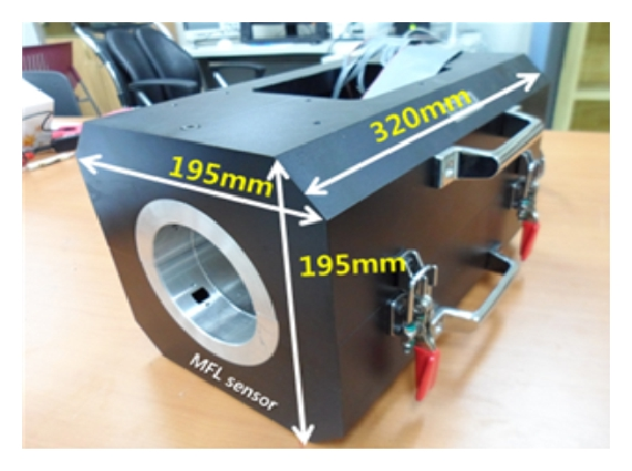 (a) Magnetic head casing